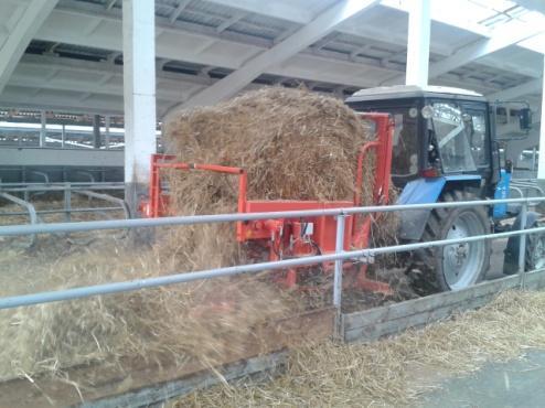 Машина для размотки рулонов стебельчатых кормов