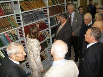Обновленная компьютеризированная научная библиотека Центра
