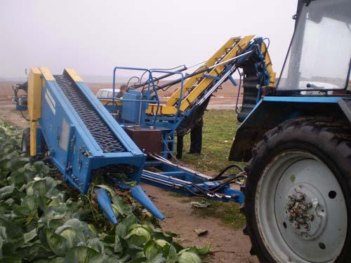 Новый комбайн для уборки капусты
